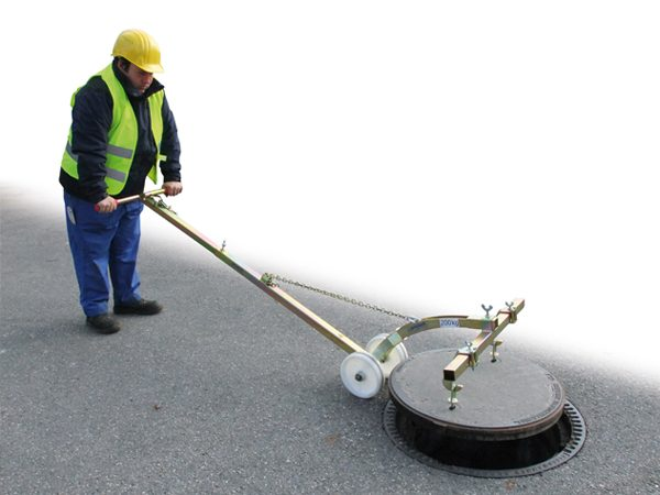 Manhole Cover Lifter SDH LIGHT 1 600x450 - Manhole Cover Lifter SDH-LIGHT